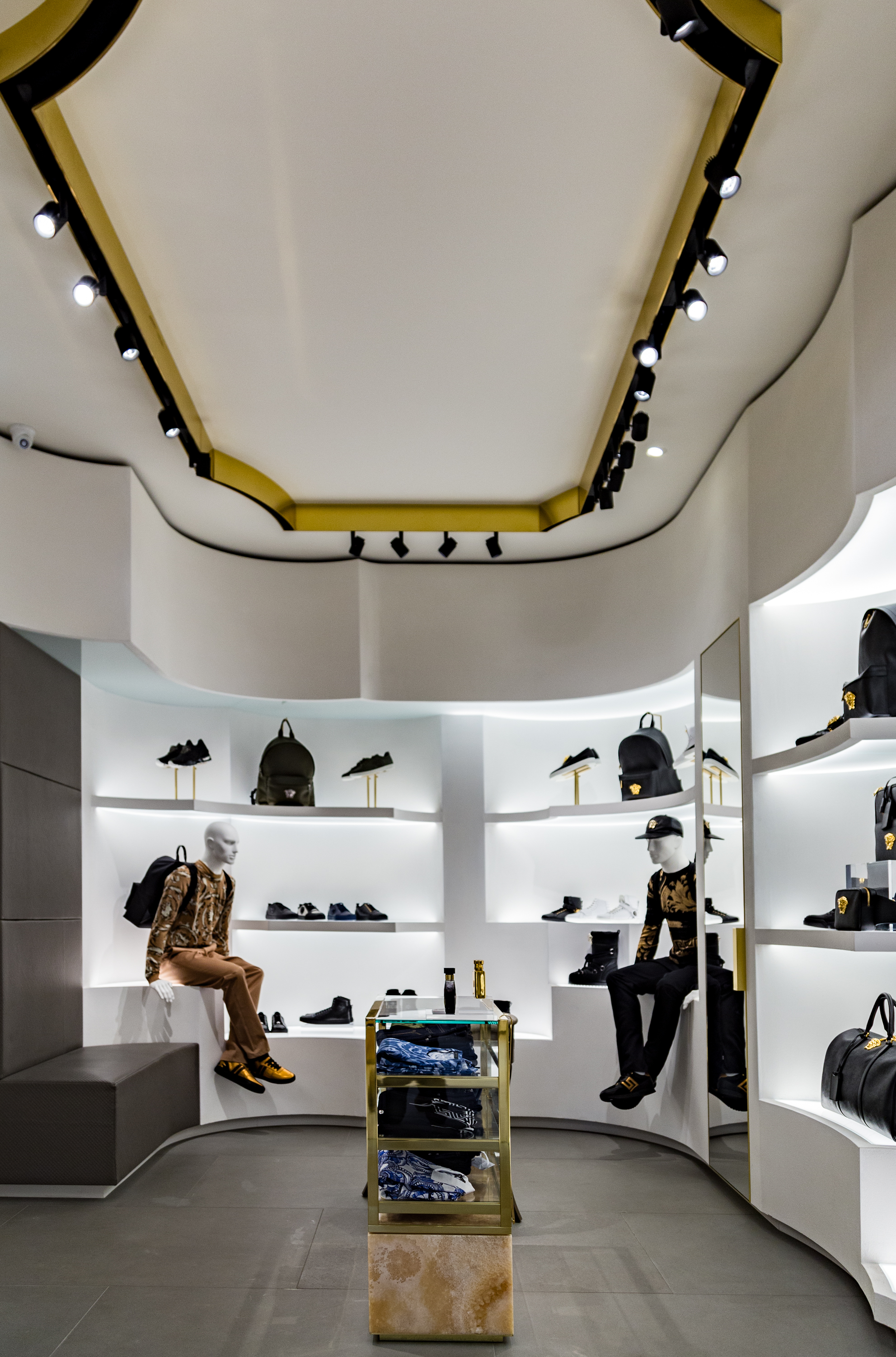 versace-store-brussels-4